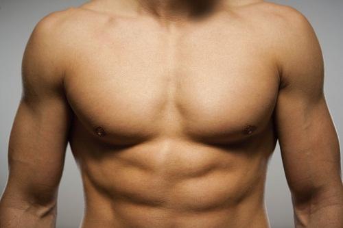 Nâng ngực giúp các chàng có được khuôn ngực đẹp như ý1