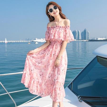 mặc váy gì khi đi biển